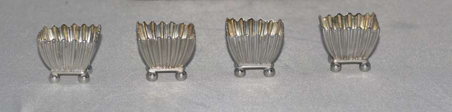 Cased Set Of Four 1885 Victorian Silver Square Salt Cellars and Spoons