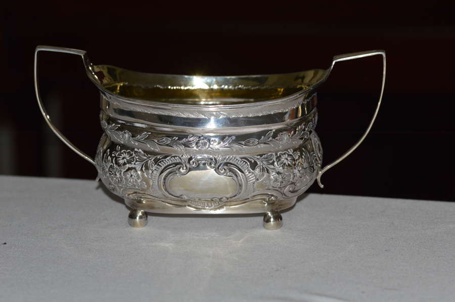 HIGH QUALITY GEORGE III ANTIQUE SILVER SUGAR BOWL - 1810