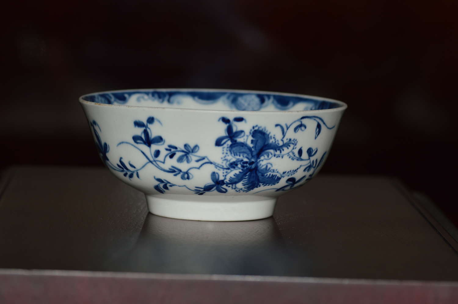 C1760 Worcester porcelain (Dr Wall/1st period) small bowl