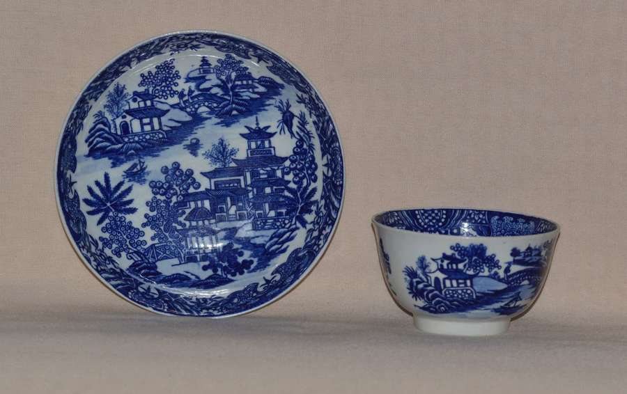 Worcester Porcelain Teabowl and Saucer 'Bandstand' Pattern 1780-90
