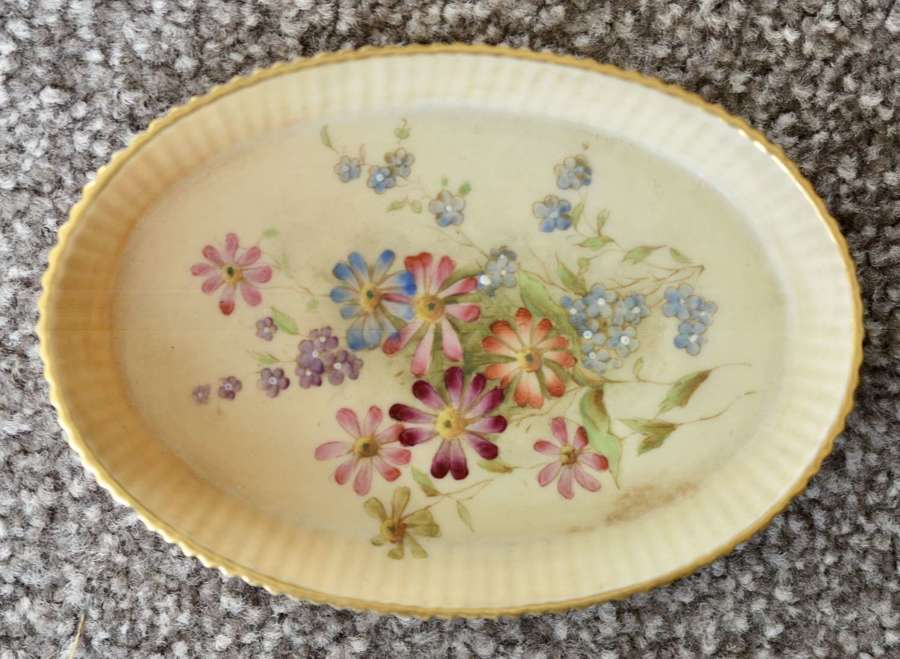 1908 Worcester Grainger Small Hand Painted Blush Ivory Pin Dish