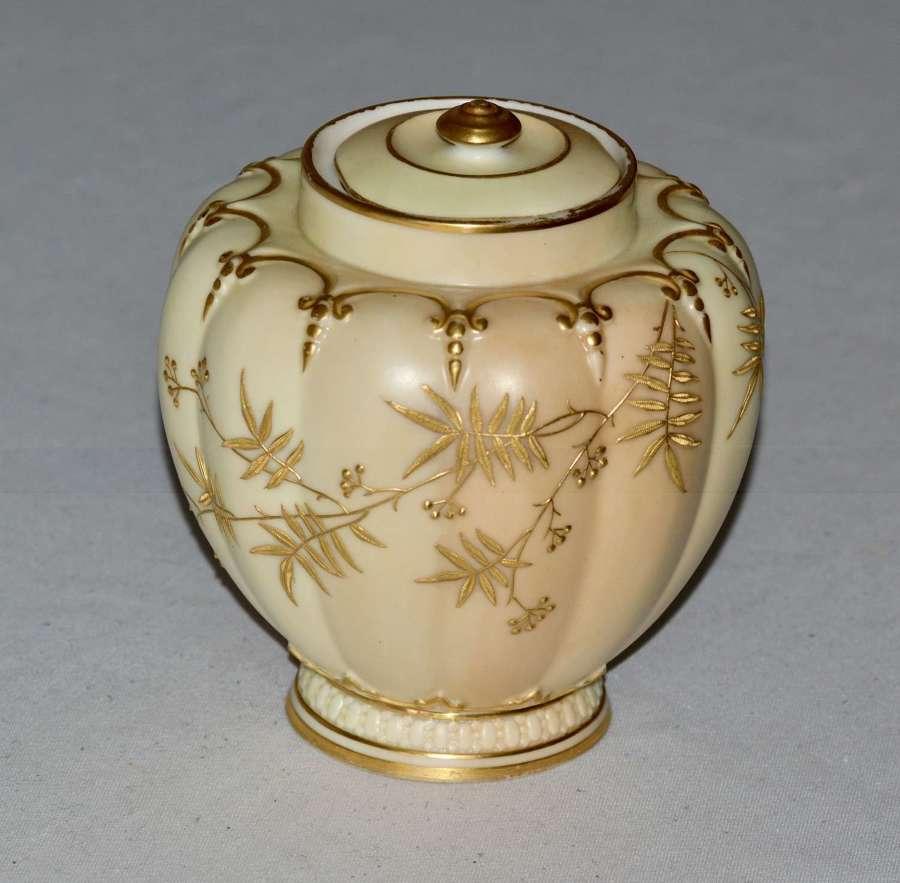 A Superb Worcester Royal Porcelain Co.Blush Ivory Lidded Vase 1890