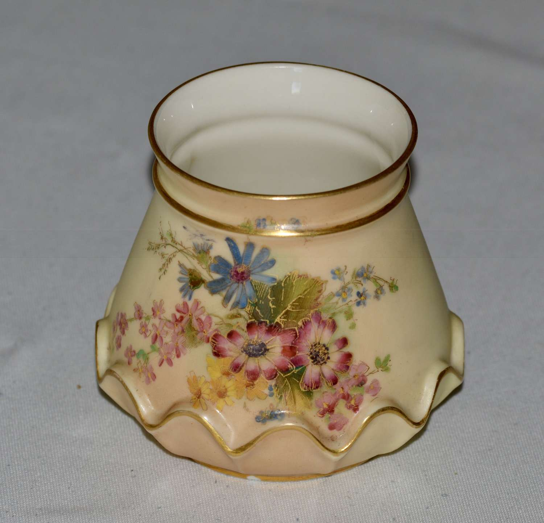 1907 Royal Worcester Fine Hand Painted Blush Ivory Vase